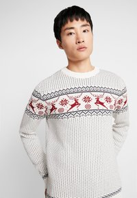 Selected Homme - SLHDEER NEW CREW NECK  - Jumper - white melange/red dahlia/mariti - 4