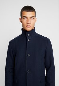 Selected Homme - SLHMOSTO COAT - Classic coat - dark sapphire - 4