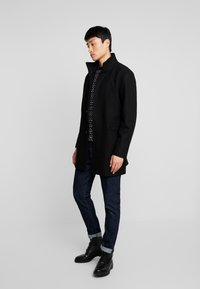 Selected Homme - SLHMOSTO COAT - Classic coat - black - 1