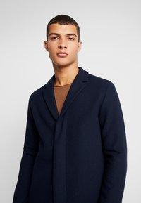 Selected Homme - SLHBROVE COAT - Cappotto classico - dark sapphire - 4