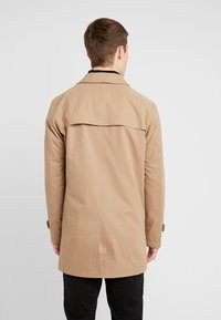 Selected Homme - SLHTIMES COAT  - Trenchcoat - sepia tint - 2