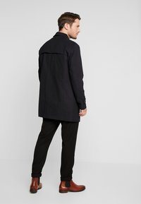 Selected Homme - SLHTIMES COAT  - Trenchcoat - black - 2