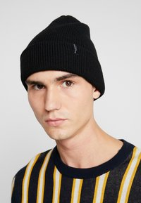 Selected Homme - SLHNEWWOOL BEANIE - Berretto - black - 1