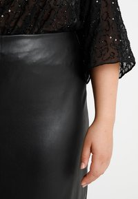 Second Script Curve - MAE SKIRT - Mini skirts  - black - 3