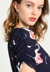 Petite DressRobe Ruched Sleeve Tea D'été Script Navy Second I7gYybf6v