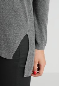 Second Script Petite - Sweter - pale grey marl - 3