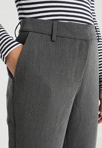 Selected Femme Petite - SLFAMILA PANT - Bukse - medium grey melange - 5