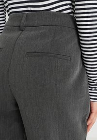 Selected Femme Petite - SLFAMILA PANT - Bukse - medium grey melange - 3