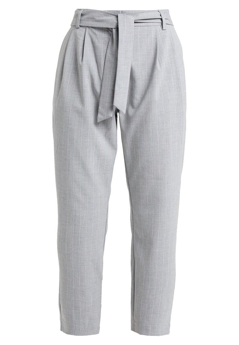 Selected Femme Petite - SLFBIO BIGA CROPPED PANT - Spodnie materiałowe - light grey melange