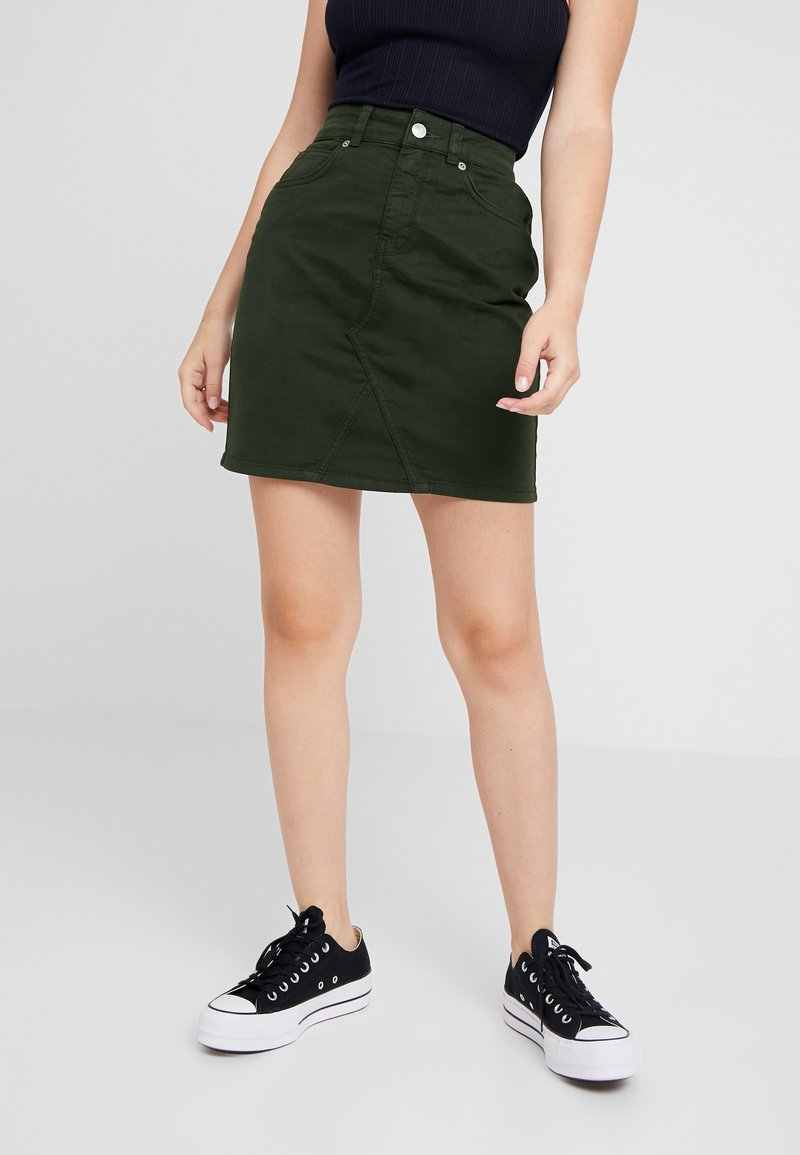 Selected Femme Petite - SLFMEGAN SKIRT - Denim skirt - rosin