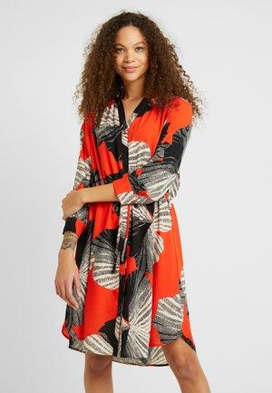 SLFDAMINA DRESS - Robe chemise - orange/black/white