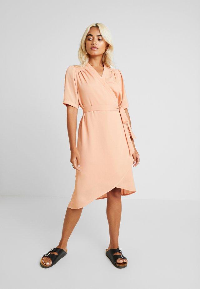 SLFSTALL-ALVA WRAP DRESS - Vapaa-ajan mekko - peach bloom