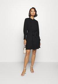 Selected Femme Petite - SLFLIVIA LS SHORT DRESS - Vestito estivo - black - 1