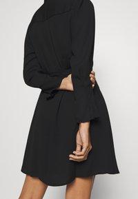 Selected Femme Petite - SLFLIVIA LS SHORT DRESS - Vestito estivo - black - 3