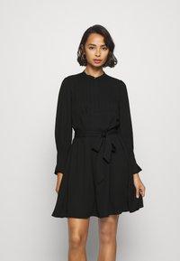Selected Femme Petite - SLFLIVIA LS SHORT DRESS - Vestito estivo - black - 0