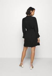Selected Femme Petite - SLFLIVIA LS SHORT DRESS - Vestito estivo - black - 2