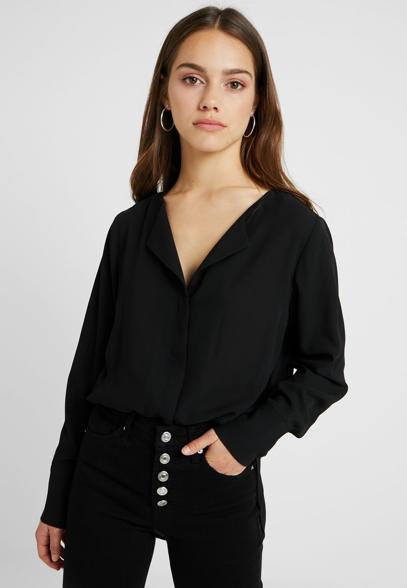 Selected Femme Petite - SLFSTINA DYNELLA - Bluser - black