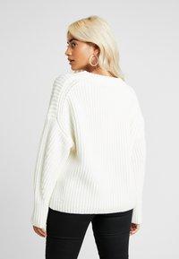 Selected Femme Petite - SLFMIRA O NECK - Jersey de punto - snow white - 2