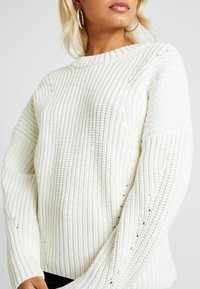 Selected Femme Petite - SLFMIRA O NECK - Jersey de punto - snow white - 4