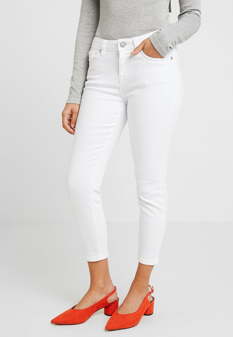 Selected Femme Petite - SLFIDA  - Jeans Skinny Fit - white denim