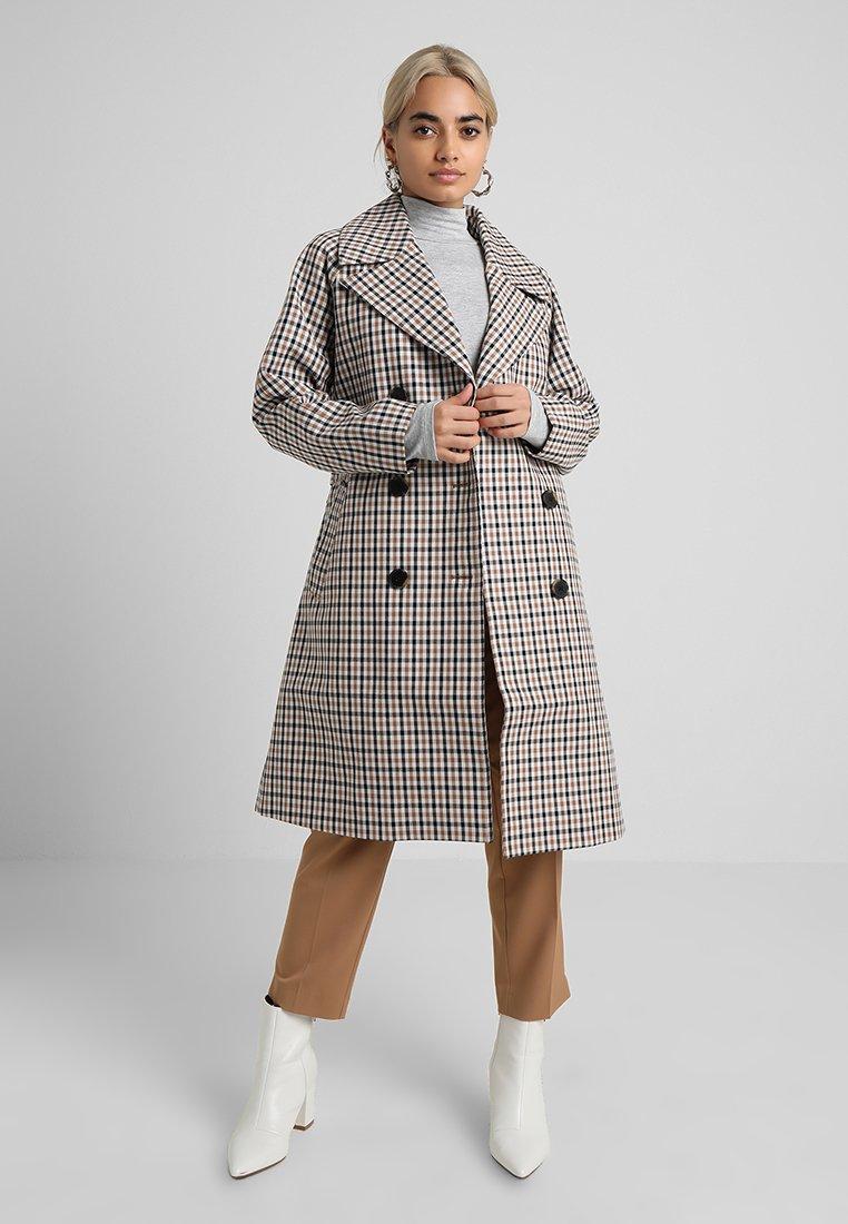 Selected Femme Petite - SLFANKA CHECK  - Trenchcoat - snow white