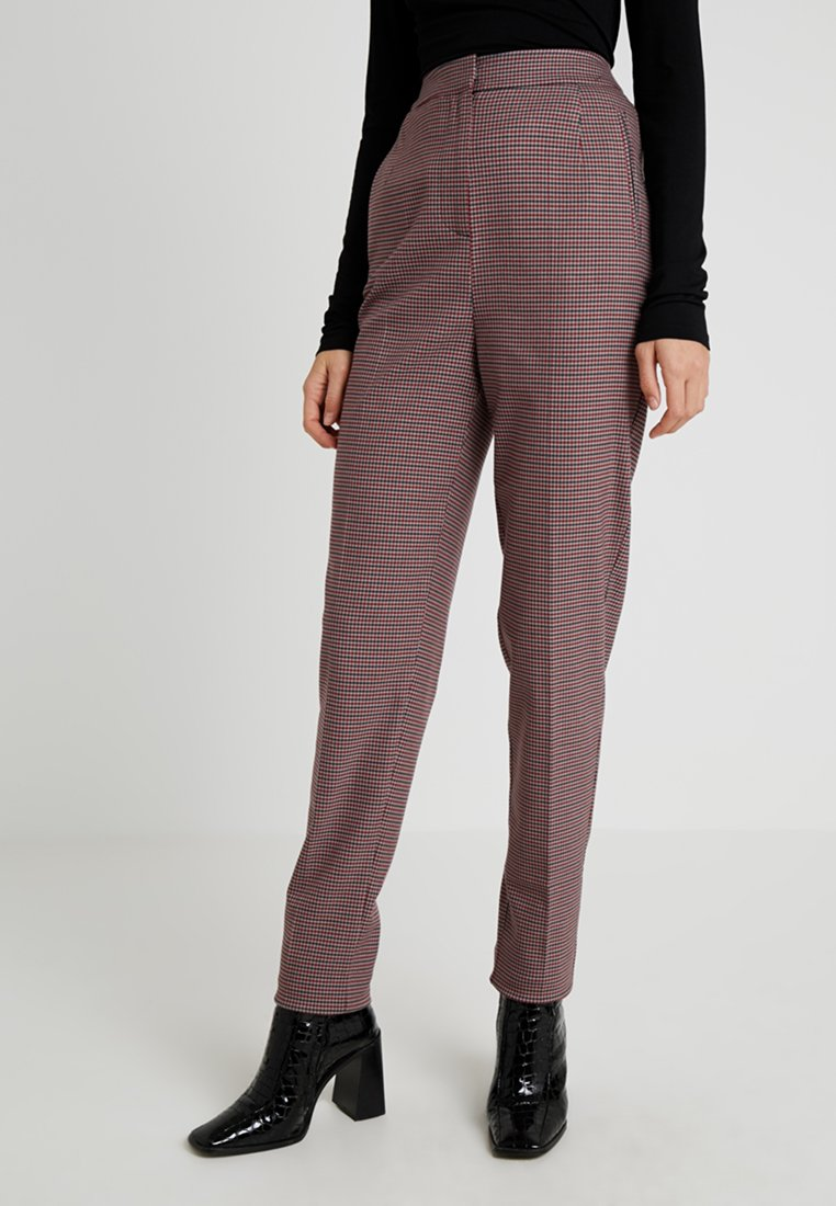 Selected Femme Tall - SLFBEATRICE FOLD UP PANT - Pantalones chinos - true red