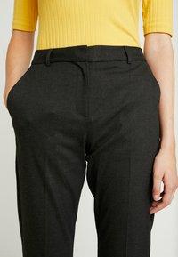 Selected Femme Tall - SLFLUNA ANKLE PANT - Broek - dark grey melange - 5