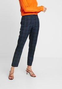 Selected Femme Tall - SLFTALE STRAIGHT PANT - Kalhoty - night sky/comb - 0