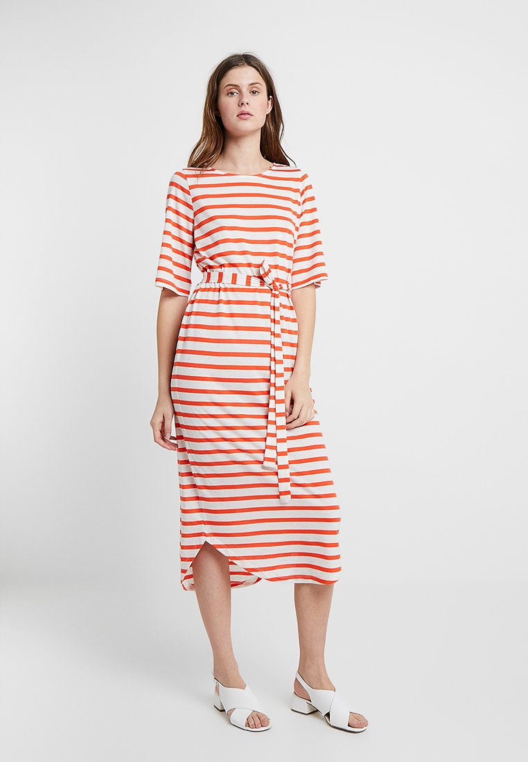Selected Femme Tall - SFIVY BEACH DRESS - Jerseyklänning - cherry tomato
