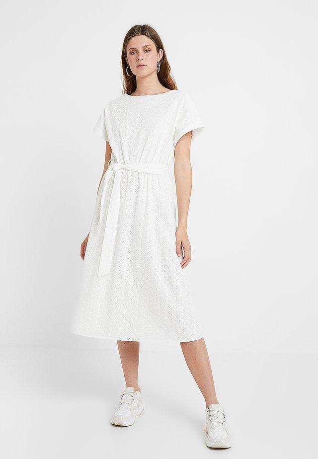 SLFVIENNA MIDI DRESS - Skjortklänning - snow white