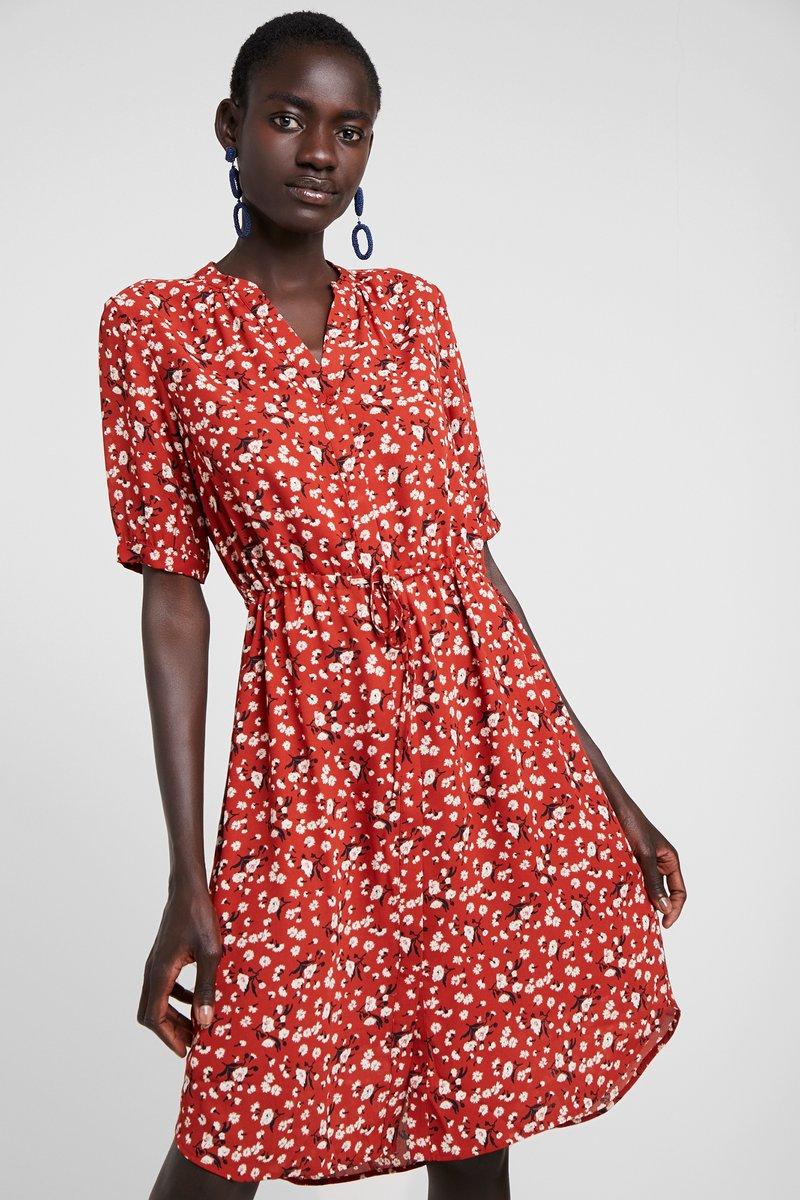 Selected Femme Tall - SLFPOPPY DAMINA DRESS - Blusenkleid - chili oil