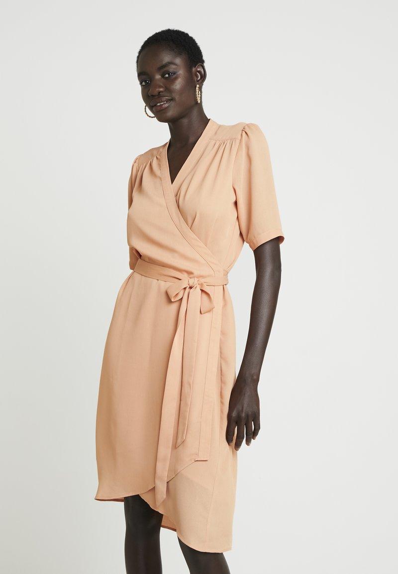 Selected Femme Tall - ALVA WRAP DRESS - Kjole - peach bloom