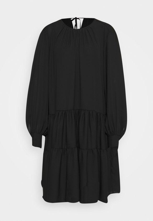 SLFAMAYA SHORT DRESS - Freizeitkleid - black