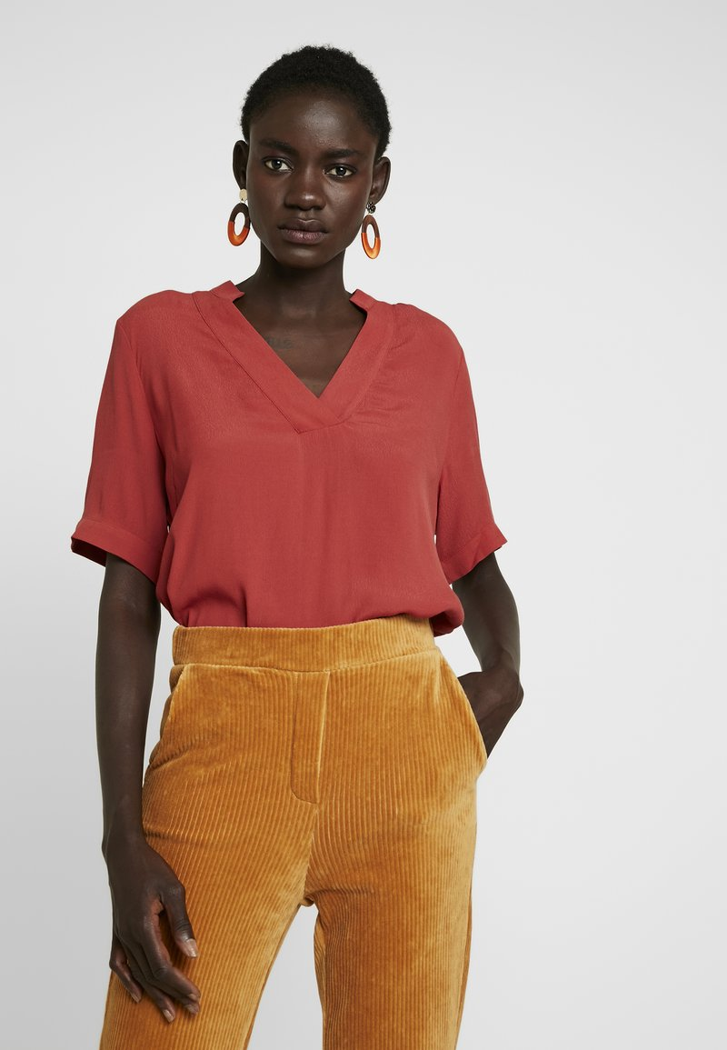 Selected Femme Tall - SLFPILLA - Blouse - chili oil