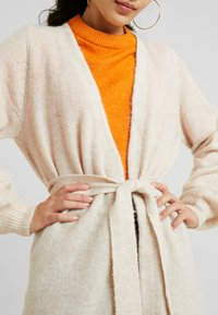 Selected Femme Tall - SLFANNA CARDIGAN - Vest - sandshell - 5