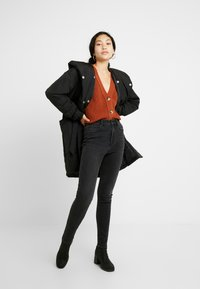 Selected Femme Tall - SLFCAROLINE CROP CARDIGAN - Cardigan - ginger bread - 1