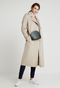 Selected Femme Tall - SLFTANA COAT - Manteau classique - birch - 2