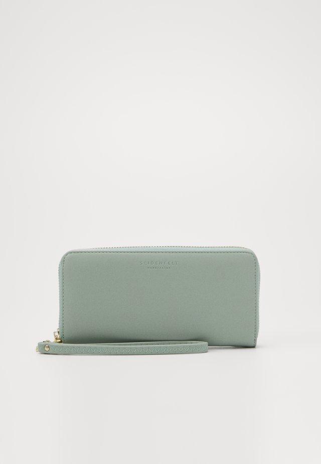 SMILLA - Wallet - mint