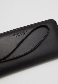 Seidenfelt - SMILLA - Wallet - black - 2