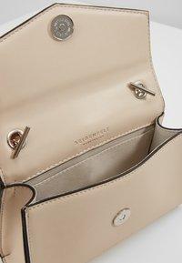 Seidenfelt - RISOR - Across body bag - off white - 5