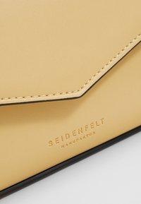 Seidenfelt - RISOR - Across body bag - yellow - 2