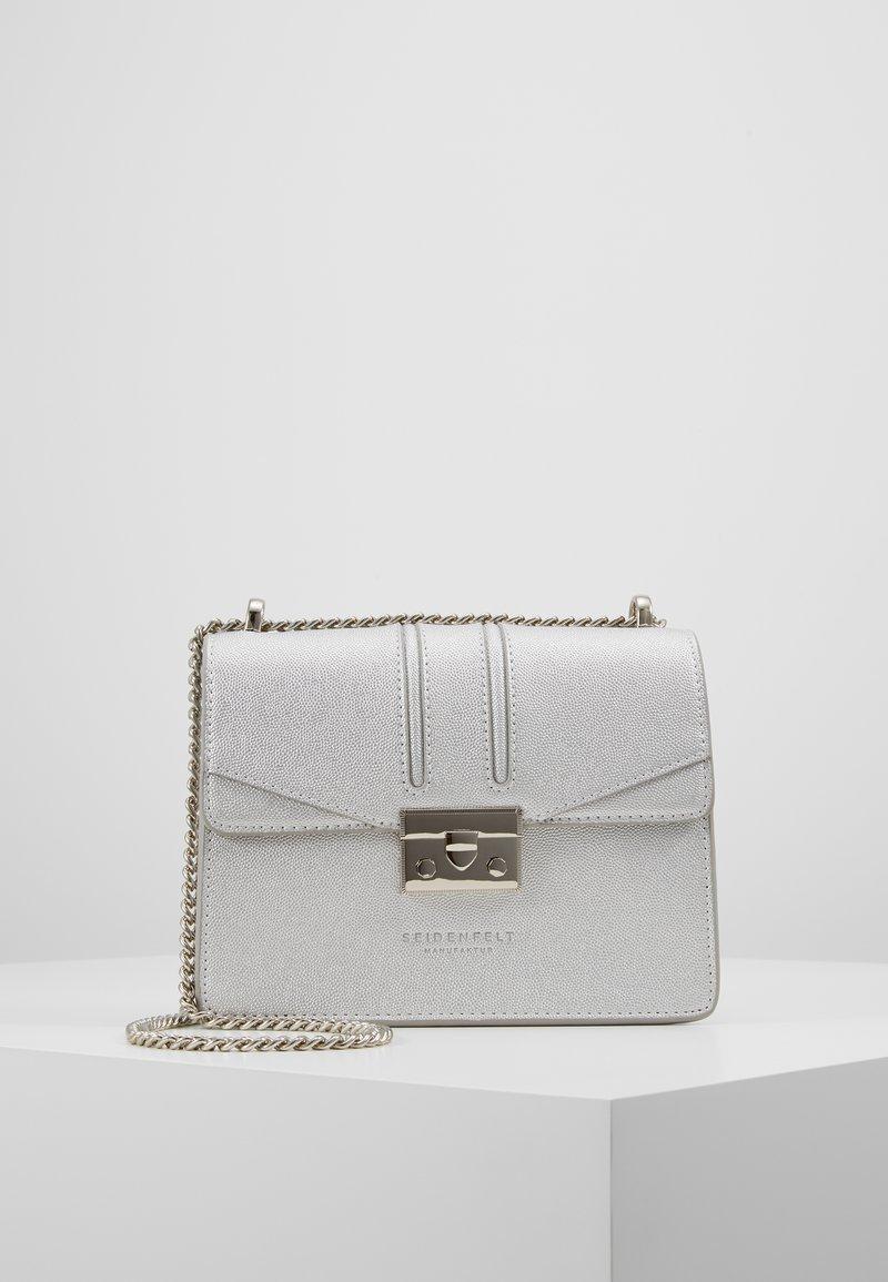 Seidenfelt - ROROS - Across body bag - silver