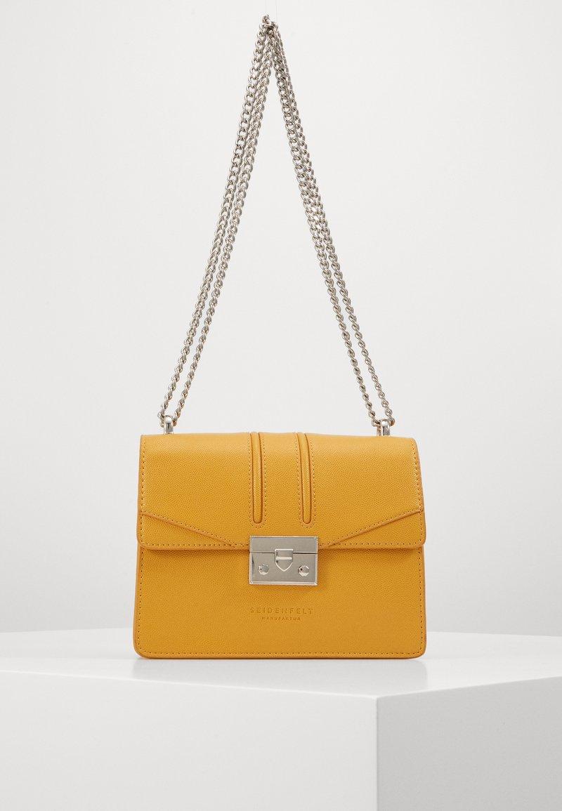 Seidenfelt - ROROS - Across body bag - mustard