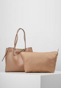 Seidenfelt - TONDER - Tote bag - almond - 4