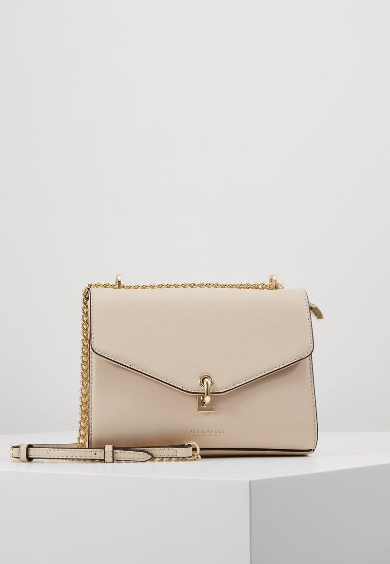Seidenfelt - KISA - Across body bag - off white