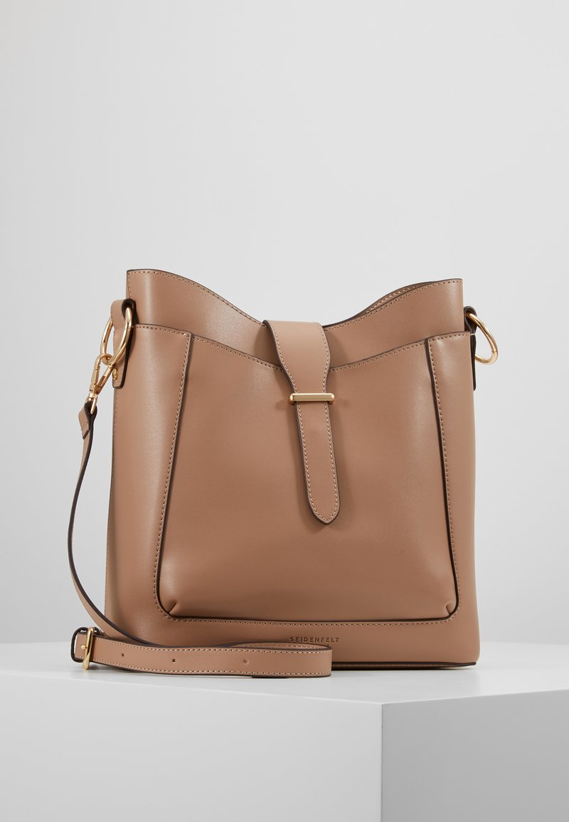 Seidenfelt - ARENDAL - Handbag - almond