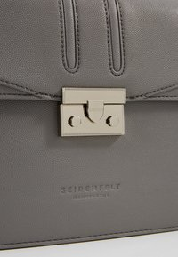 Seidenfelt - ROROS BIG - Across body bag - grey - 2