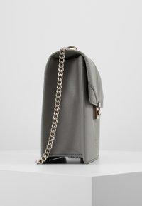 Seidenfelt - ROROS BIG - Across body bag - grey - 4