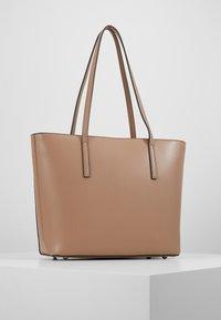 Seidenfelt - LYNGDAL - Handbag - almond - 3