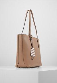 Seidenfelt - LYNGDAL - Handbag - almond - 4